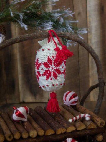 Holiday Crochet Ornament Essential Oil Satchel by Briana K Designs