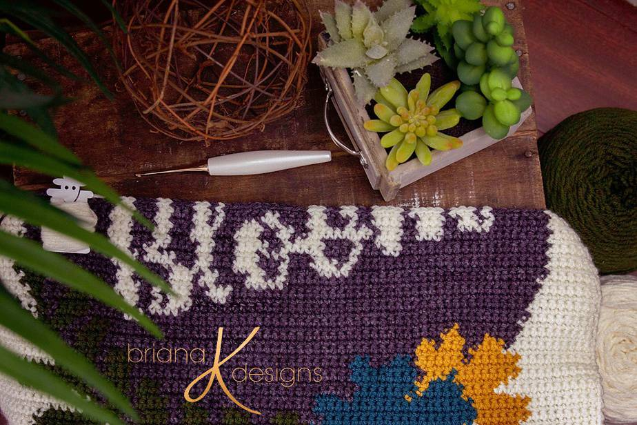 Bloom crochet pillow cover