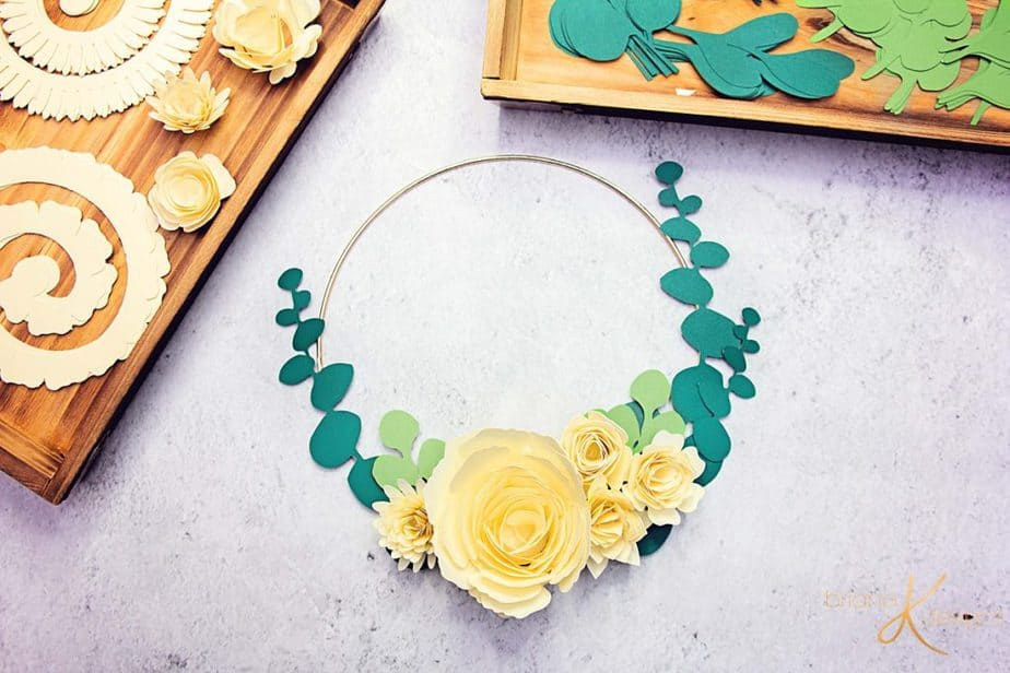 Instructions on How to Make Quilling Paper Flower Pendent Necklace ... | 616x924