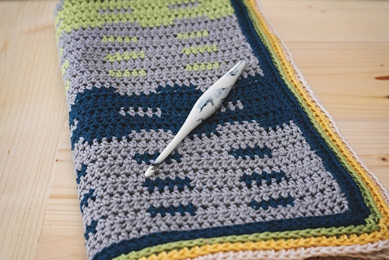 Garden Fence Crochet Blanket