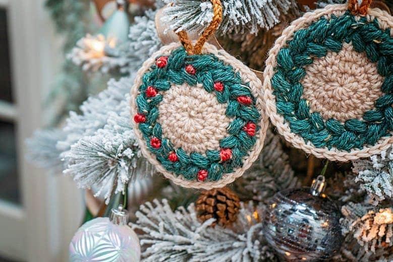 Wreath Ornament & Coaster Crochet Pattern